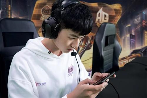 《【天游平台代理】《QQ飞车手游》S联赛QG豪夺第三冠 再次缔造传奇》